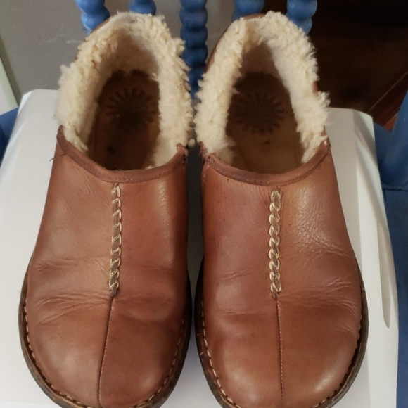 UGG Shoes - Uggs 1928 Slip On Shoes Size 7